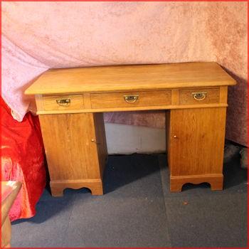Ældre skrivebord