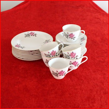 Kopper med rose motiv fra et loppemarked