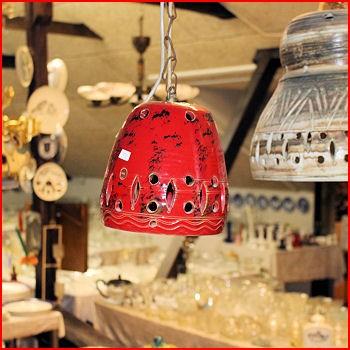 Rød keramiklampe