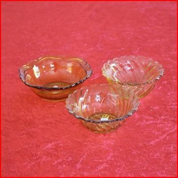 Små gule skåle fra loppemarked