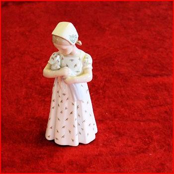 Pige med dukke